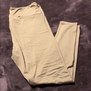 Lularoe sage green solid print legging TC2